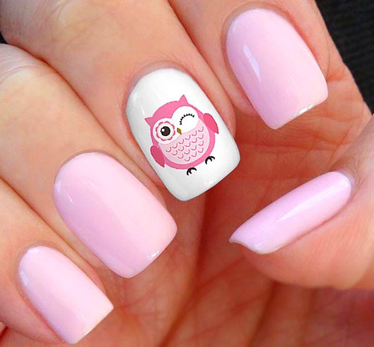 Розовый дизайн ногтей гель-лаком с изображением совы