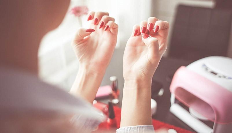 Ногти перед снятием гель-лака