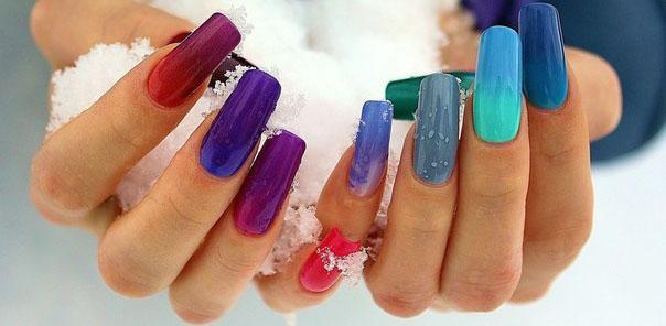Термо гель-лак разных оттенков на ногтях